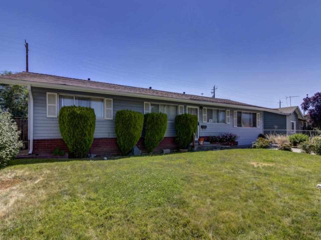 1120 Manhattan, Reno, NV 89512 (MLS #190011188) :: NVGemme Real Estate