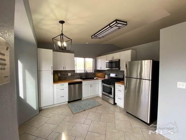8661 Beechcraft, Reno, NV 89506 (MLS #200000925) :: Chase International Real Estate