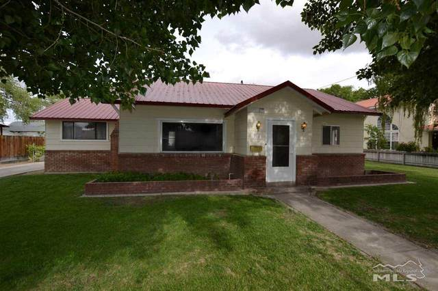 316 S Center Street, Yerington, NV 89447 (MLS #200006163) :: NVGemme Real Estate