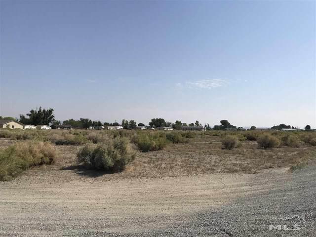 12 Pinhurst, Yerington, NV 89447 (MLS #200009676) :: Chase International Real Estate