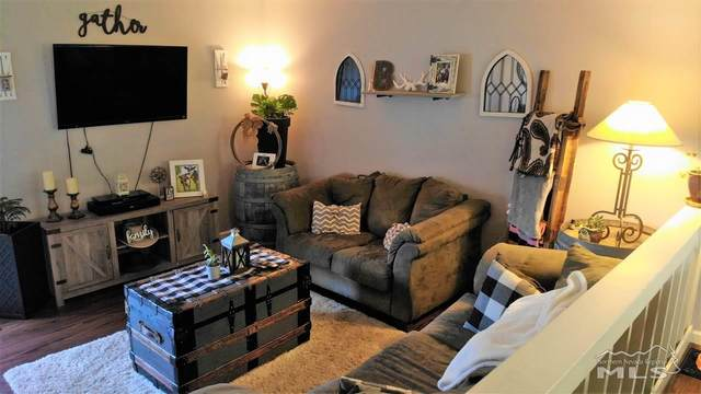 1346 El Dorado Avenue B, Gardnerville, NV 89410 (MLS #200010528) :: NVGemme Real Estate