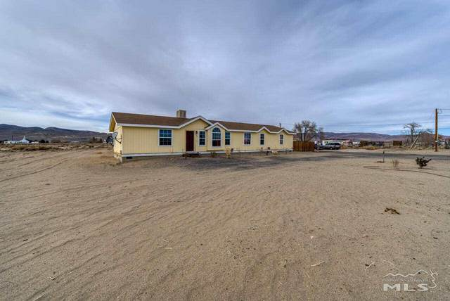 5655 Juniper St, Silver Springs, NV 89429 (MLS #210000377) :: NVGemme Real Estate