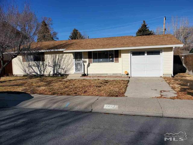 1024 Cedar Street, Carson City, NV 89701 (MLS #210000948) :: NVGemme Real Estate
