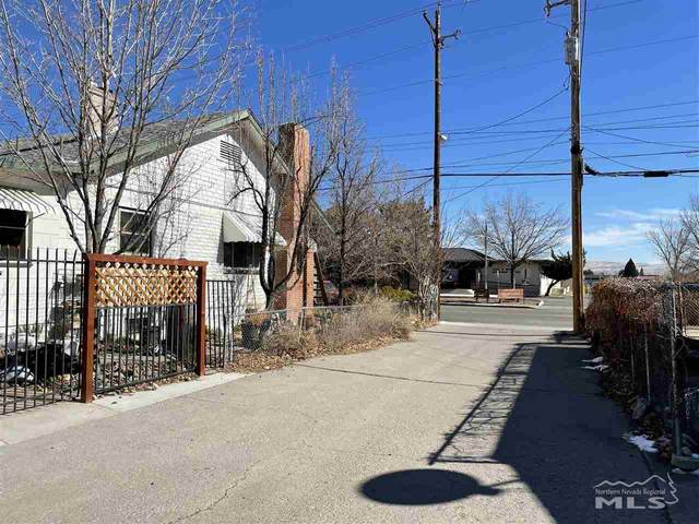 1151 Valley Rd, Reno, NV 89512 (MLS #210002132) :: NVGemme Real Estate