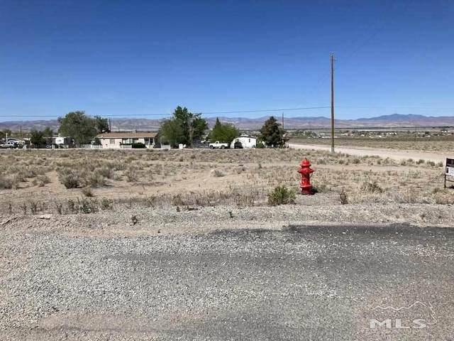 102 Nadel Ln., Yerington, NV 89447 (MLS #210006424) :: Vaulet Group Real Estate