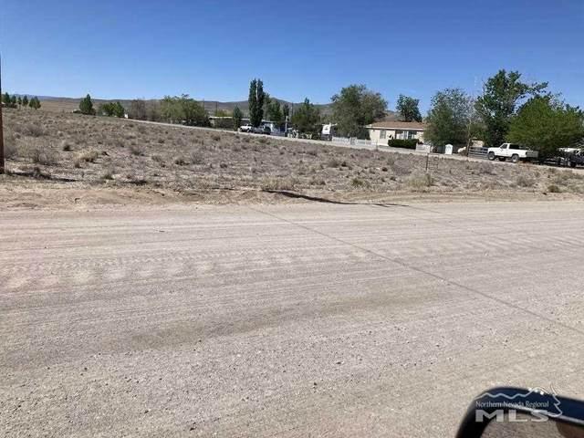 79 Mountain Ln, Yerington, NV 89447 (MLS #210006425) :: Theresa Nelson Real Estate