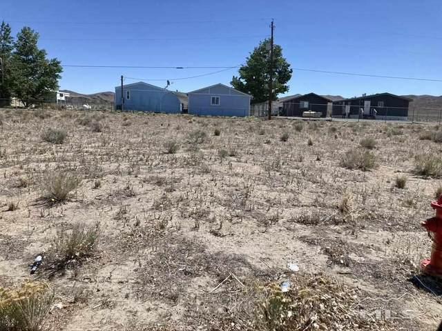 84 Mountain Ln., Yerington, NV 89447 (MLS #210006429) :: Theresa Nelson Real Estate