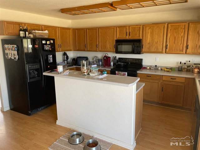 119 Double Eagle, Fernley, NV 89408 (MLS #210006552) :: NVGemme Real Estate