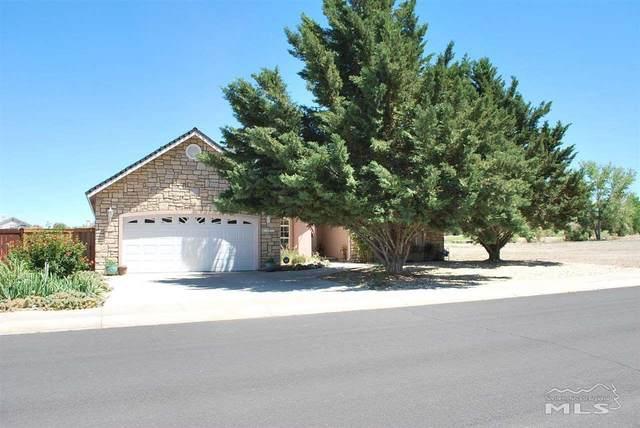 752 Divot Drive, Fernley, NV 89408 (MLS #210008352) :: Chase International Real Estate