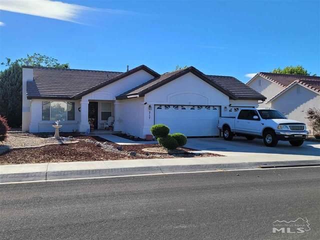 217 Mary Lou Ln, Fernley, NV 89408 (MLS #210008396) :: NVGemme Real Estate