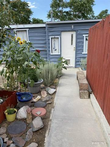 703 8th Street, Hawthorne, NV 89415 (MLS #210010250) :: Chase International Real Estate