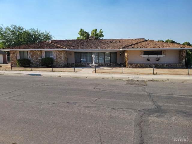 105 Mount Grant Ave, Hawthorne, NV 89415 (MLS #210010309) :: Chase International Real Estate
