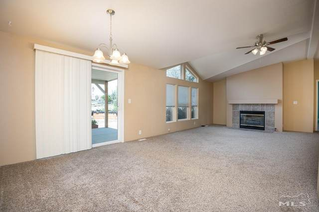 113 Sunset Hills Dr, Yerington, NV 89447 (MLS #210010536) :: Chase International Real Estate