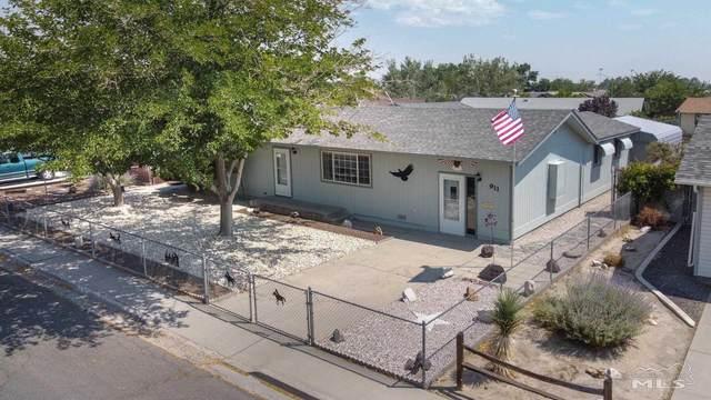 911 Warwick Avenue, Fallon, NV 89406 (MLS #210010920) :: Chase International Real Estate