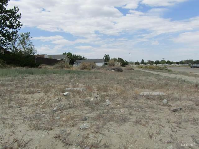 2 Sheltered Hills Dr., Yerington, NV 89447 (MLS #210011014) :: Chase International Real Estate