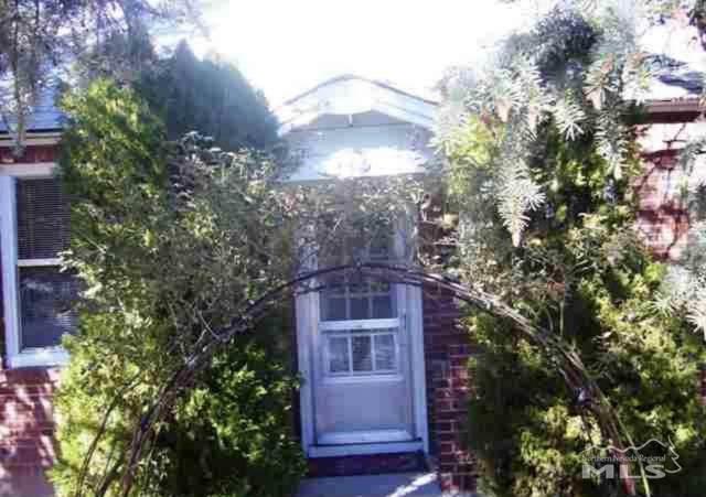 135 La Rue, Reno, NV 89509 (MLS #210011291) :: NVGemme Real Estate