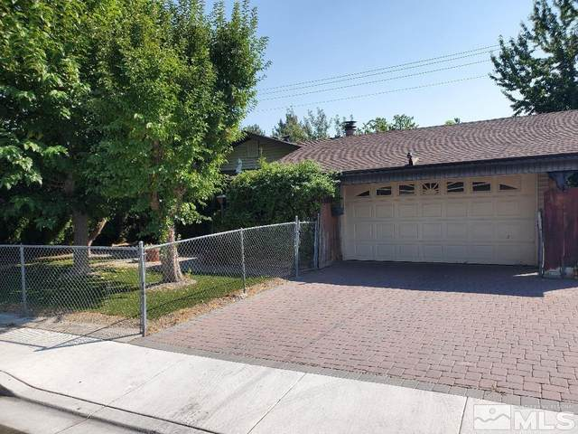 215 Stonegate Wy., Carson City, NV 89706 (MLS #210013990) :: Colley Goode Group- CG Realty