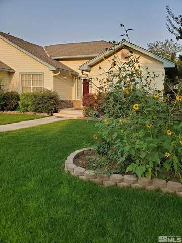 322 Kay Way, Yerington, NV 89447 (MLS #210014048) :: NVGemme Real Estate