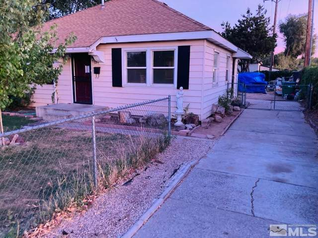 12 Lincoln Way, Sparks, NV 89431 (MLS #210014439) :: Chase International Real Estate