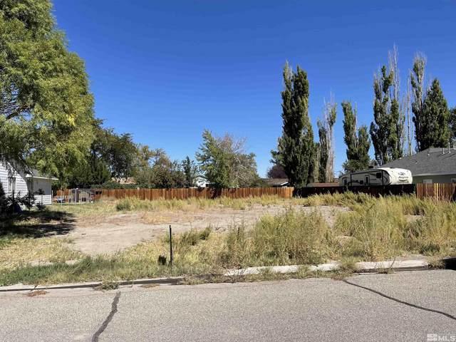 426 Silver Star, Yerington, NV 89447 (MLS #210014479) :: Chase International Real Estate