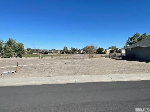 854 Divot Drive, Fernley, NV 89408 (MLS #210014494) :: NVGemme Real Estate