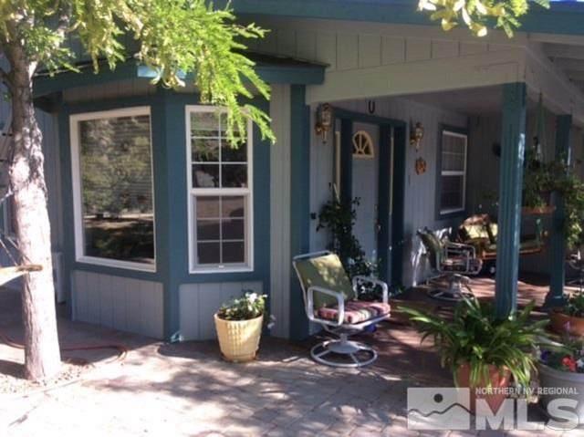 400 Descanso Ln, Sparks, NV 89441 (MLS #210015233) :: NVGemme Real Estate