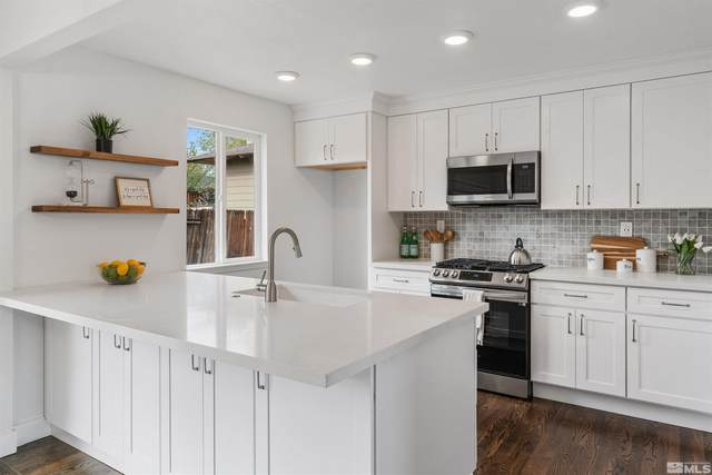 945 Akard, Reno, NV 89503 (MLS #210015254) :: Chase International Real Estate