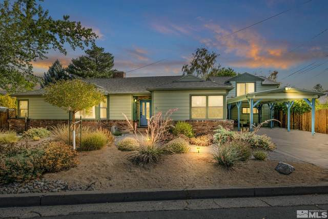 15 W Sunset Way, Carson City, NV 89703 (MLS #210015292) :: NVGemme Real Estate
