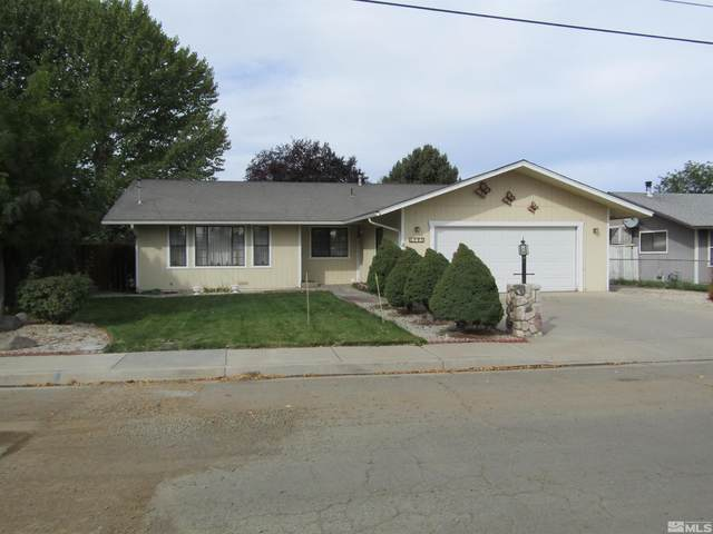 493 S Whitacre St., Yerington, NV 89447 (MLS #210015362) :: NVGemme Real Estate