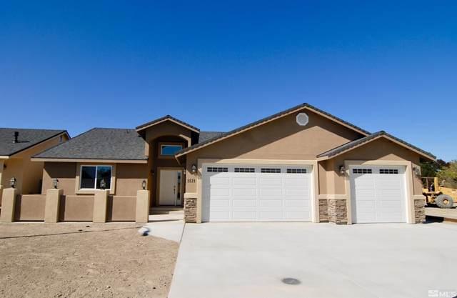 1121 Dixie Lane, Fernley, NV 89408 (MLS #210015536) :: NVGemme Real Estate