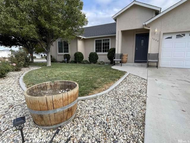 1800 Randy Court, Fernley, NV 89408 (MLS #210015544) :: NVGemme Real Estate