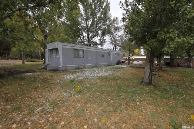 16 Pinto Dr, Yerington, NV 89447 (MLS #210015705) :: NVGemme Real Estate