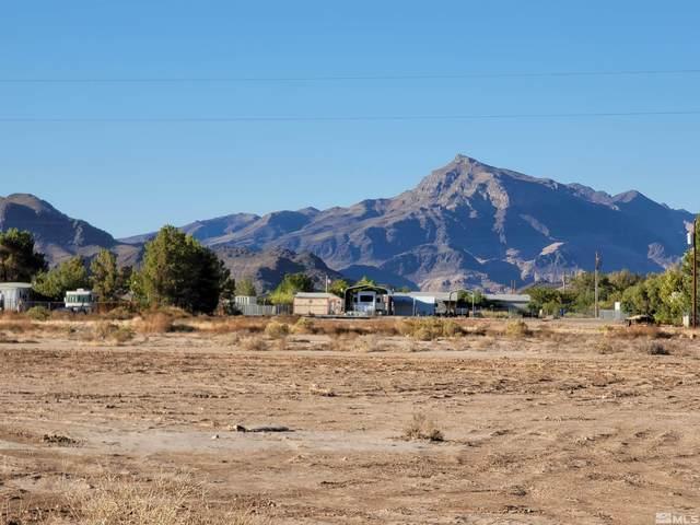 4330 W Hardy Ln., Pahrump, NV 89048 (MLS #210015748) :: NVGemme Real Estate