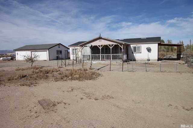 8 Sara Cir, Yerington, NV 89447 (MLS #210015766) :: NVGemme Real Estate
