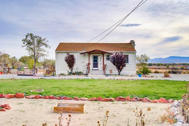 148 Sunset Hills, Yerington, NV 89447 (MLS #210015925) :: NVGemme Real Estate