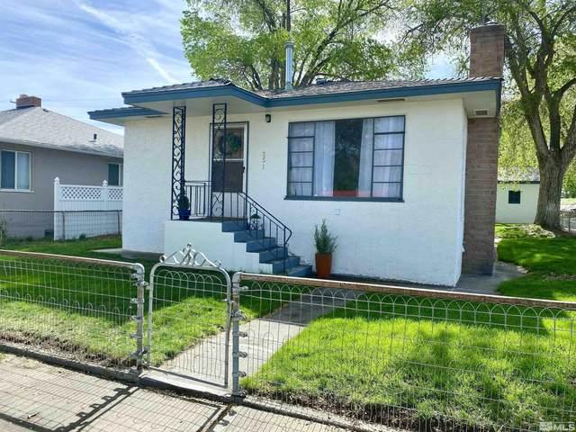 251 W Shepard Street, Winnemucca, NV 89445 (MLS #210016084) :: NVGemme Real Estate