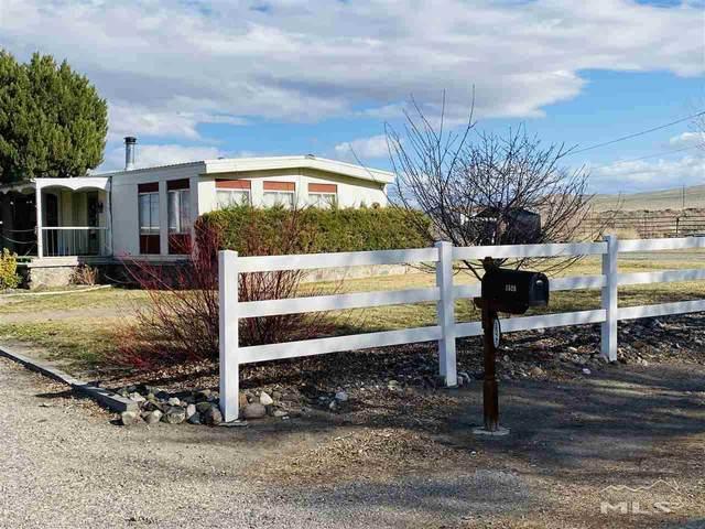 1525 Sunflower Ln, Fernley, NV 89408 (MLS #210003843) :: NVGemme Real Estate