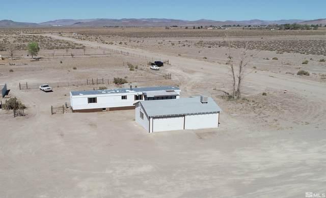 10 Watkins Way, Yerington, NV 89447 (MLS #210014087) :: NVGemme Real Estate