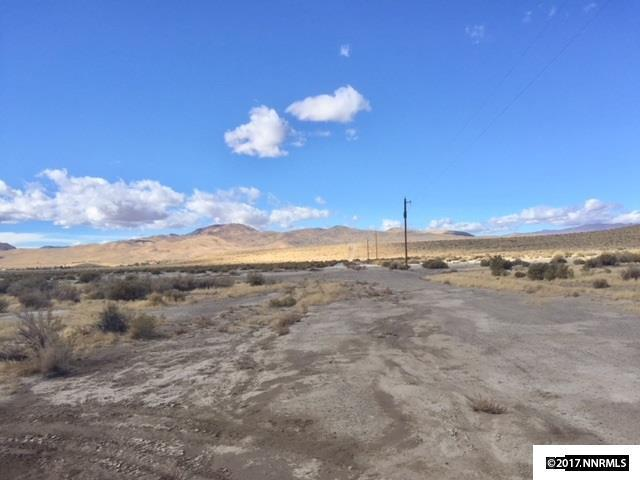 2345 E 3rd, Silver Springs, NV 89429 (MLS #170015420) :: Marshall Realty