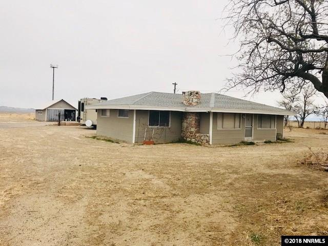 12300 Carr Lane, Fallon, NV 89406 (MLS #180005032) :: NVGemme Real Estate