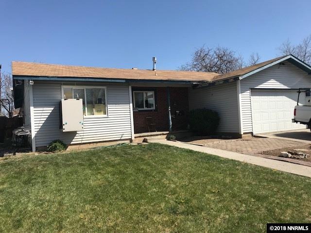 280 Galleron Way, Sparks, NV 89431 (MLS #180005328) :: NVGemme Real Estate