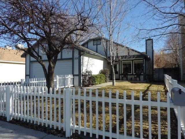 2425 Eastwood Dr, Carson City, NV 89701 (MLS #190000552) :: NVGemme Real Estate