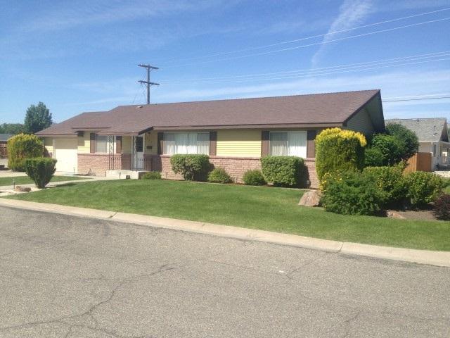 405 Shipley Drive, Yerington, NV 89447 (MLS #190004355) :: Theresa Nelson Real Estate