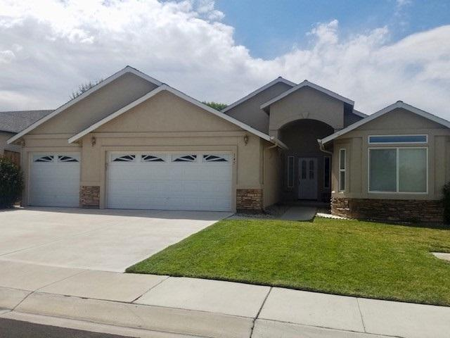 145 Desert Lakes Drive, Fernley, NV 89408 (MLS #190012664) :: Chase International Real Estate