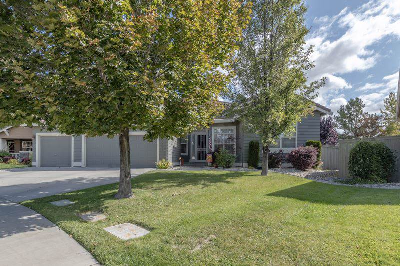 9960 Moccasin Ct - Photo 1