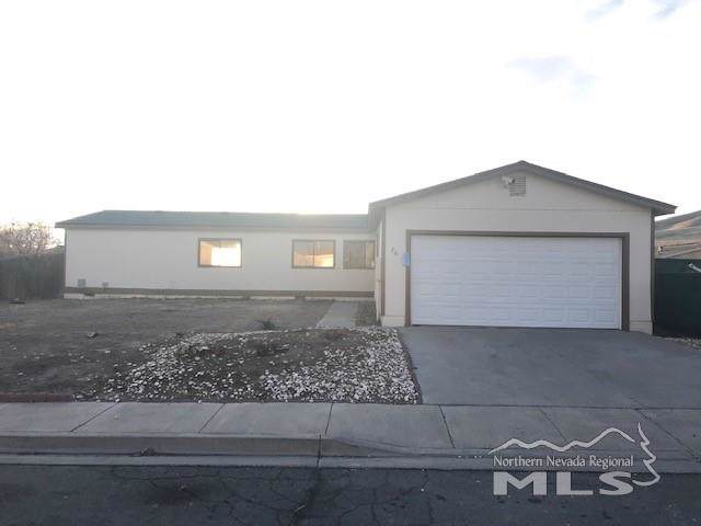 921 Green Valley Dr, Fernley, NV 89408 (MLS #200000278) :: Chase International Real Estate