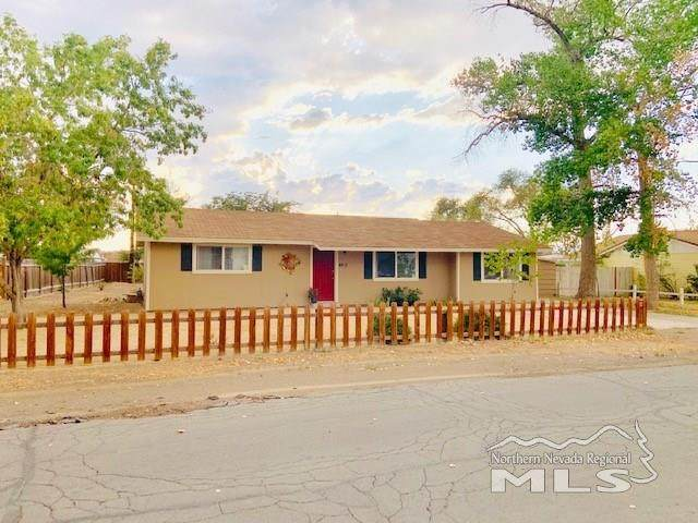 460 Curry Drive, Fernley, NV 89408 (MLS #200001869) :: NVGemme Real Estate
