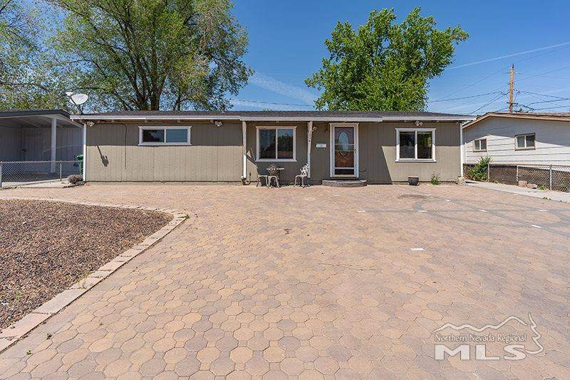 1008 Russell Way - Photo 1