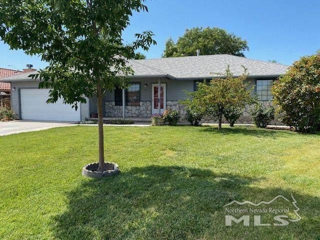 521 Meadow Glen Drive, Fallon, NV 89406 (MLS #200010850) :: Fink Morales Hall Group