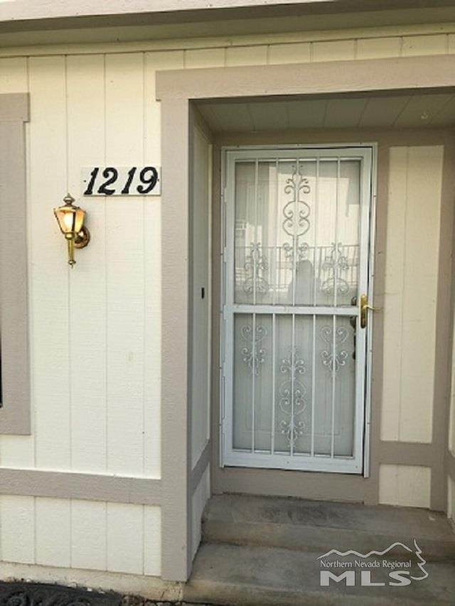 1219 Rayburn Drive, Reno, NV 89503 (MLS #200013175) :: Chase International Real Estate